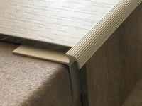 Treppenkantenprofil 135 silber
