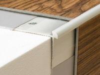 Vorschau: Prinz Treppenkantenprofil 187 silber montiert