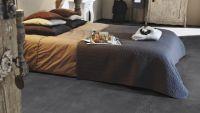 Vorschau: Tarkett Klebevinyl ID Inspiration 30 CLASSICS Vintage Zinc Black Schlafzimmer