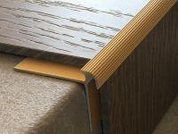 Treppenkantenprofil 135 gold