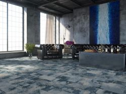 Teppichboden im Raum verlegt