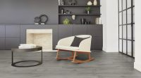Vorschau: Tarkett Klebevinyl ID Inspiration 30 CLASSICS Scandinavian Oak Dark Grey Wohnzimmer