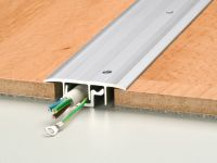 Vorschau: Prinz Kabelkanal 432 silber montiert