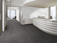 Vinylboden im Büro verlegt