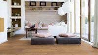 Vorschau: Tarkett Klebevinyl ID Essential 30 Soft Oak LIGHT BROWN Wohnzimmer