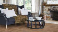 Vorschau: Tarkett Klebevinyl ID Essential 30 Smoked Oak NATURAL Wohnzimmer