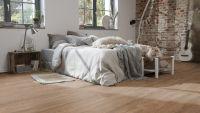 Vorschau: Tarkett Klebevinyl ID Essential 30 Smoked Oak NATURAL Schlafzimmer