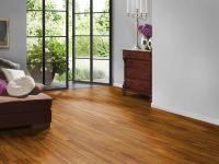Wohnraum mit JOKA Naturdesignboden in natürlicher Bodenfarbe