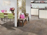 Vinylboden in der Küche verlegt