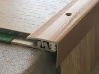 Vorschau: Treppenkantenprofil 351 bronze hell