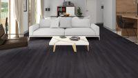Vorschau: Tarkett Klebevinyl ID Essential 30 Smoked Oak BLACK Wohnzimmer